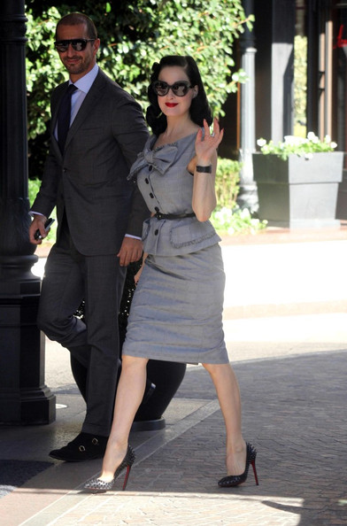 a171f5ebd92 Dita Von Teese Shows off Her Retro Street Style - Celebrity Clothes ...