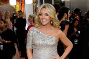 Actres Jane Krakowski arrives at the 17th Annual Screen Actors Guild Awards held at The Shrine Auditorium on January 30, 2011 in Los Angeles, California.