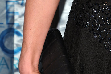 Cat Deeley Rocks a Classic Chanel Quilted Clutch at the 2011 People's Choice Awards