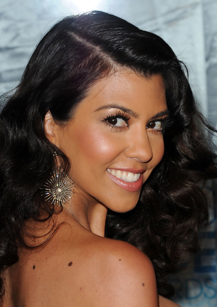 Kourtney Kardashian And Kylie Makeup: Kourtney Kardashian Makeup Tips