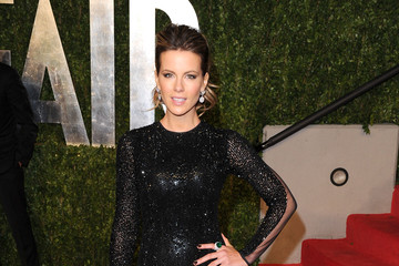 Kate Beckinsale Wears Julien Macdonald to Vanity Fair Oscar Party