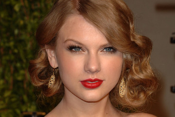 How to Do Taylor Swift Makeup