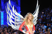 Model Lindsay Ellington walks the runway during the 2011 Victoria's Secret Fashion Show at the Lexington Avenue Armory on November 9, 2011 in New York City.