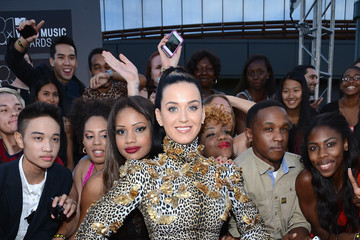 Katy Perry in Emanuel Ungaro [VMA Red Carpet Picture]