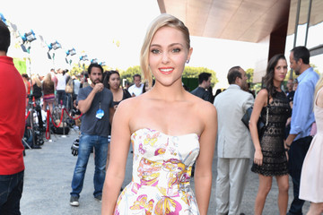 Trend to Try: Butterfly Print as Demonstrated by AnnaSophia Robb