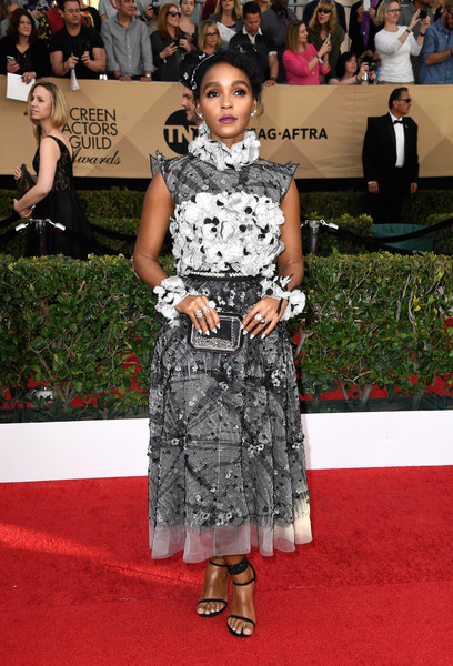 Looking Angelic In A Chanel Print Dress With Floral Appliqués At The 2017 SAG Awards