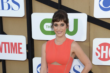 Lizzy Caplan is Pretty in Peach