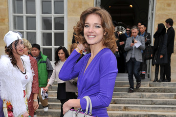 Natalia Vodianova Looks Ladylike at Paris Fashion Week