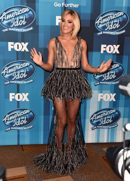 Carrie Underwood In Yanina Couture At The 'American Idol' Finale, 2016