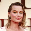 Margot Robbie's Wet Hair Look at a London Premiere