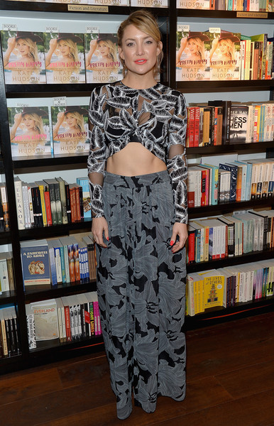 Kate Wearing Thakoon For Her Book Signing, 2016