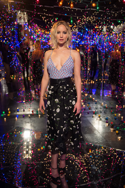 When She Was Surrounded By Lights At The 'Passengers' Photocall