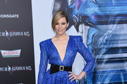 Elizabeth Banks attends the red carpet arrivals for the world premiere of Power Rangers at the Village theatre in Hollywood, California on March 22, 2017. / AFP PHOTO / CHRIS DELMAS