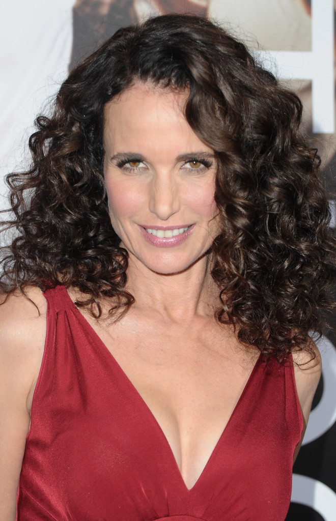 Andie Macdowell S Long Curls At The Footloose Premiere