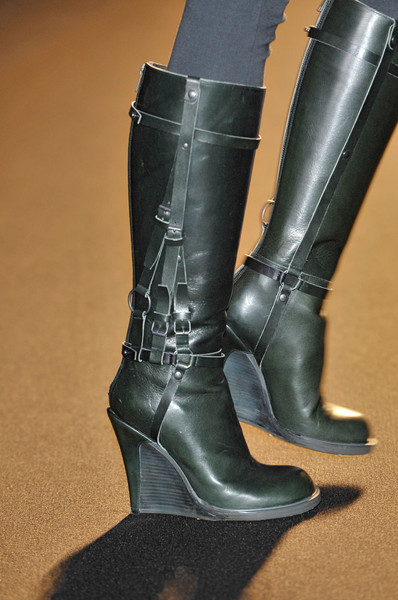 A.F. Vandevorst at Paris Fall 2011 (Details)