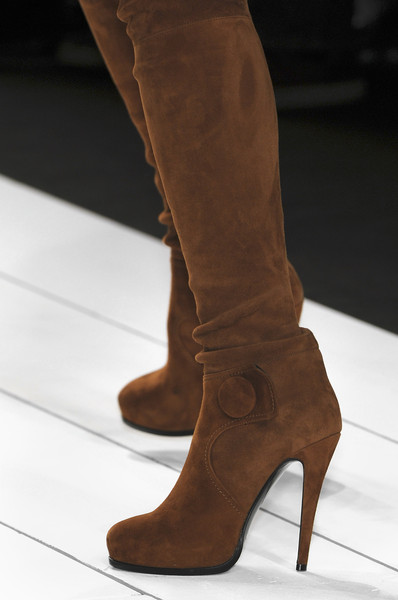 Aigner at Milan Fall 2010 (Details)