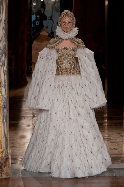 Alexander McQueen at Paris Fall 2013