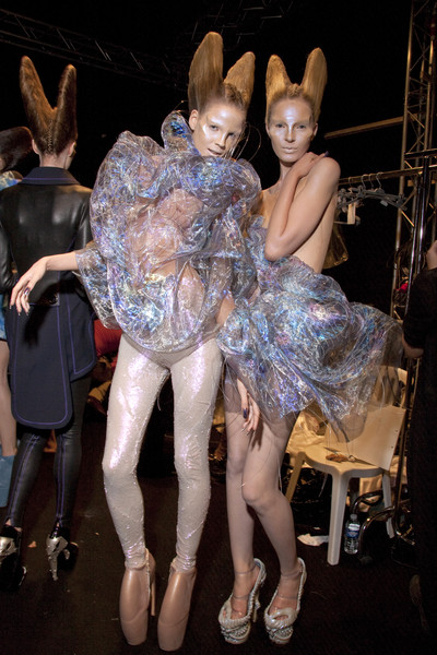Alexander McQueen at Paris Spring 2010 (Backstage)