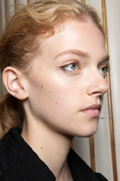 Altuzarra at Paris Spring 2020 (Backstage) [face,hair,eyebrow,cheek,chin,forehead,lip,hairstyle,nose,ear,altuzarra,fashion,hair,face,hairstyle,forehead,lip,beauty.m,paris fashion week,close-up,fashion,close-up,beauty.m]