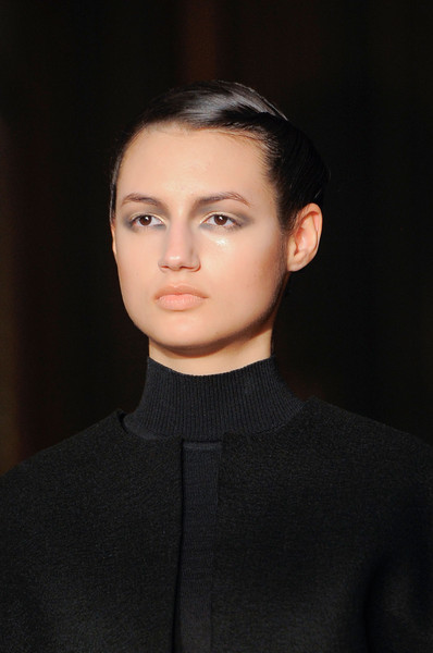 Amaya Arzuaga at Paris Fall 2013 (Details)