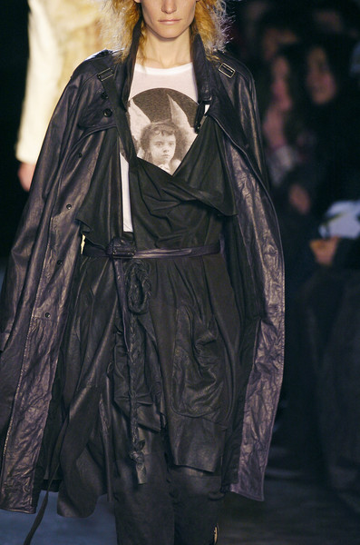 Ann Demeulemeester at Paris Fall 2005 (Details)