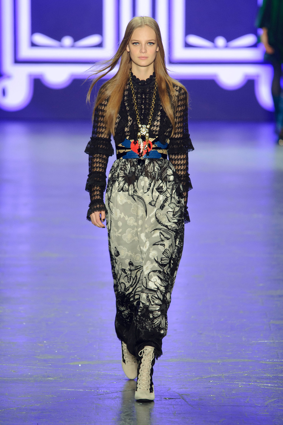 Anna Sui Fall 2018 Ready-to-Wear Collection - Vogue 62