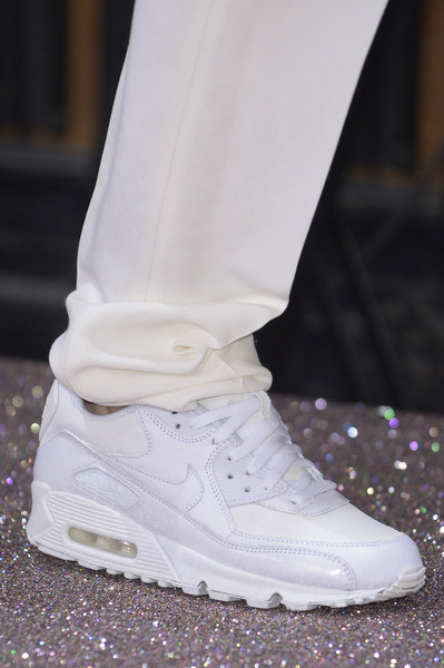 Anne Valérie Hash at Paris Fall 2013 (Details)
