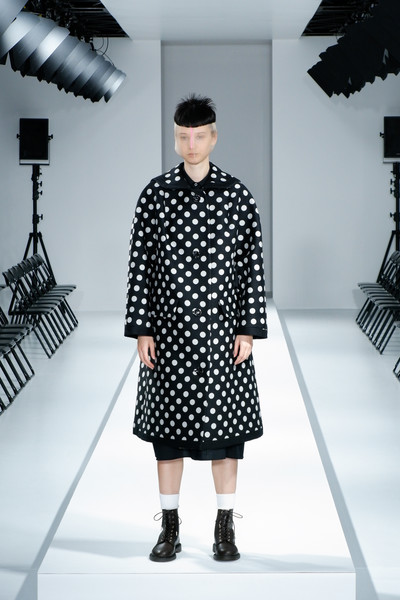 Anrealage at Paris Fall 2021 [shoulder,fashion,textile,sleeve,standing,street fashion,black-and-white,style,fashion design,collar,outerwear,fashion,anrealage,design,haute couture,fashion model,polka dot,street fashion,paris fashion week,fashion show,fashion show,haute couture,design,fashion,fashion model,polka dot / m,outerwear / m,polka dot / m,model m keyboard,outerwear]