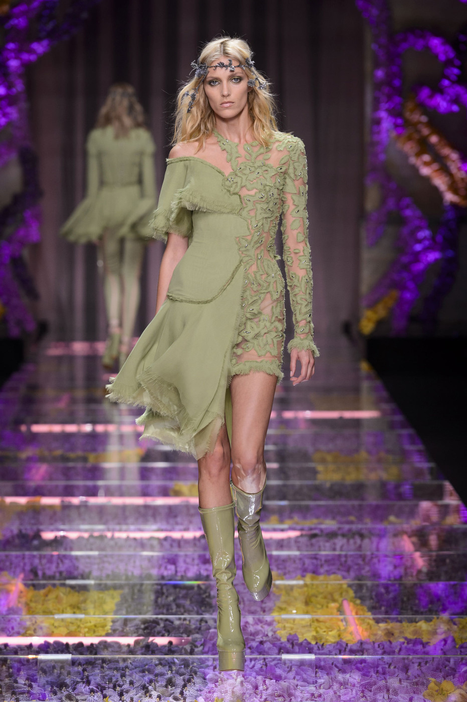 Atelier Versace at Couture Fall 2015 - Livingly