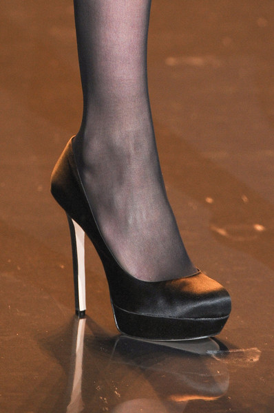 Badgley Mischka at New York Fall 2011 (Details)