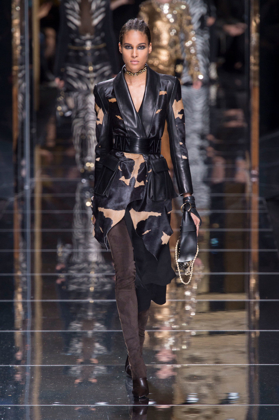 balmain at paris fashion week fall 2017 livingly. Black Bedroom Furniture Sets. Home Design Ideas