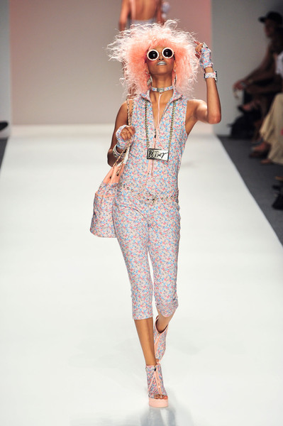 Betsey Johnson at New York Spring 2014 [fashion model,fashion,fashion show,runway,white,clothing,shoulder,pink,fashion design,haute couture,betsey johnson,supermodel,fashion,runway,haute couture,fashion week,model,vogue,new york fashion week,fashion show,betsey johnson,fashion show,runway,fashion,ready-to-wear,fashion week,model,vogue,haute couture,supermodel]
