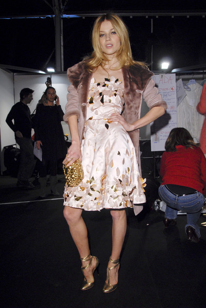 Blumarine at Milan Fall 2008 (Backstage)