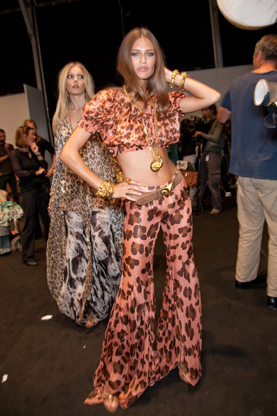 Blumarine at Milan Spring 2011 (Backstage)