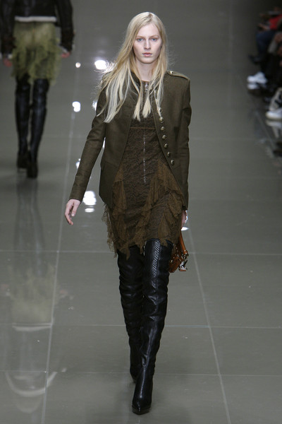Burberry Prorsum at London Fall 2010