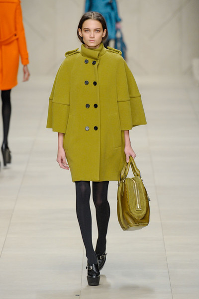 Burberry Prorsum at London Fall 2011