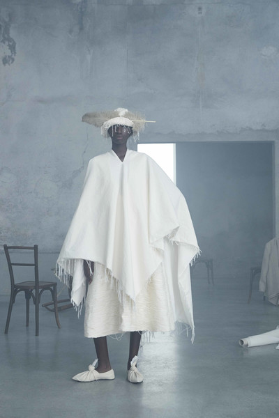 Calcaterra at Milan Spring 2021 [white,outerwear,fashion,dress,costume,room,photography,fashion design,robe,ghost,dress,calcaterra,fashion,fashion week,spring,costume,photography,room,milan fashion week,fashion show,fashion,fashion show,ready-to-wear,fashion week,burberry,yves saint laurent,fendi,spring,model]