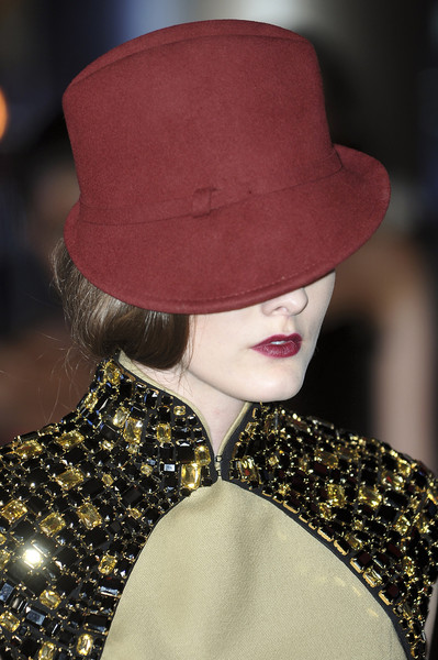 Carmen Marc Valvo at New York Fall 2010 (Details)