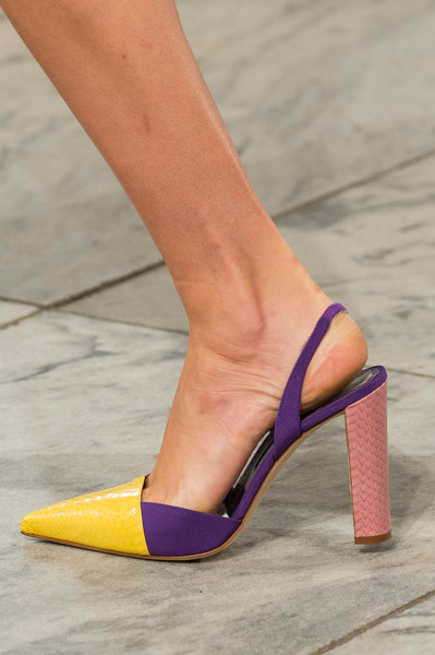 Carolina Herrera at New York Spring 2018 (Details)