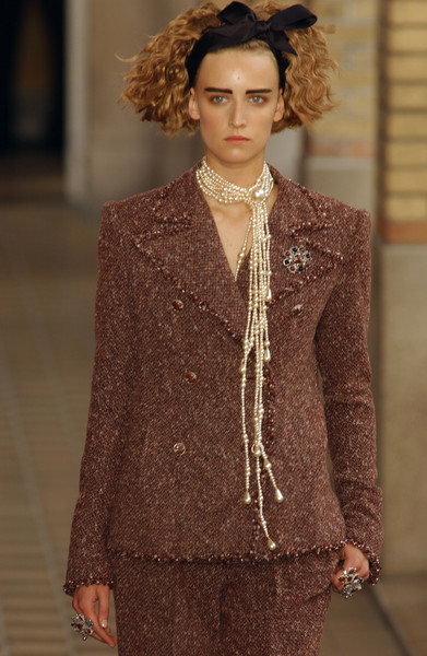 Chanel at Couture Fall 2001