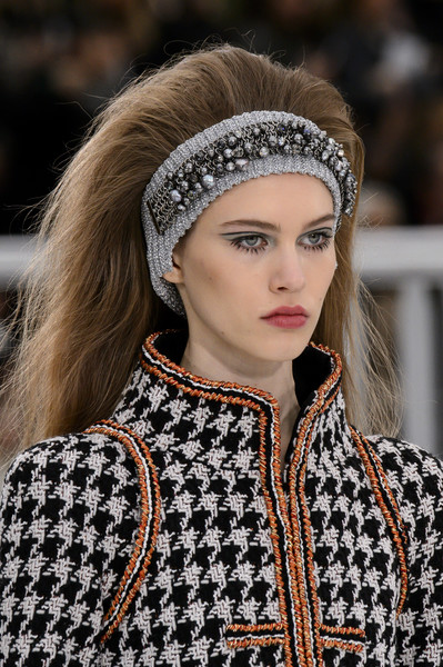 Chic Beauty Inspo Straight From the Parisian Runway