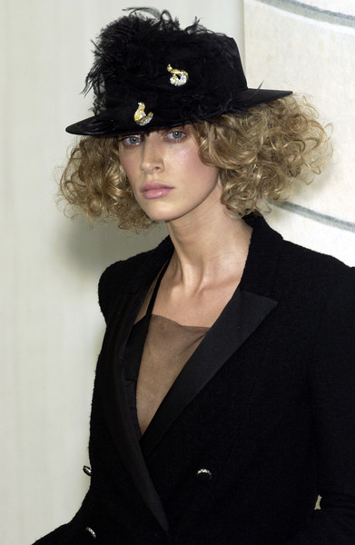 Chanel at Couture Spring 2004 (Details) [hair,hair,clothing,hat,hairstyle,black hair,fashion accessory,headgear,costume hat,costume accessory,fedora,supermodel,hair m,couture spring,hat,long hair,02pd - circolo,fashion accessory,chanel,partito democratico,hat,hair m,long hair,supermodel,hair,02pd - circolo del partito democratico di milano]
