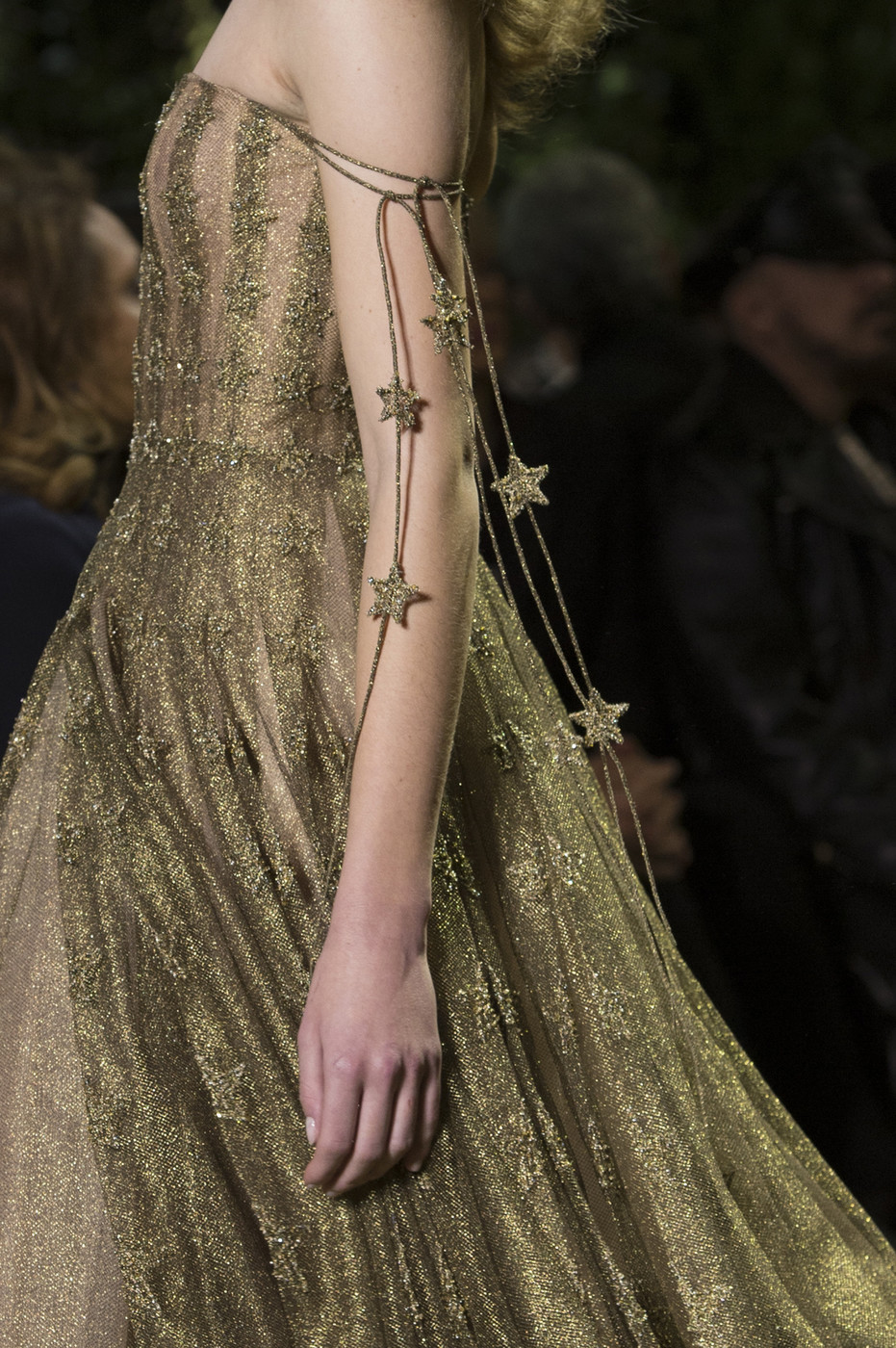Christian dior couture spring 2017 couture 39 s most for Dior couture dress price