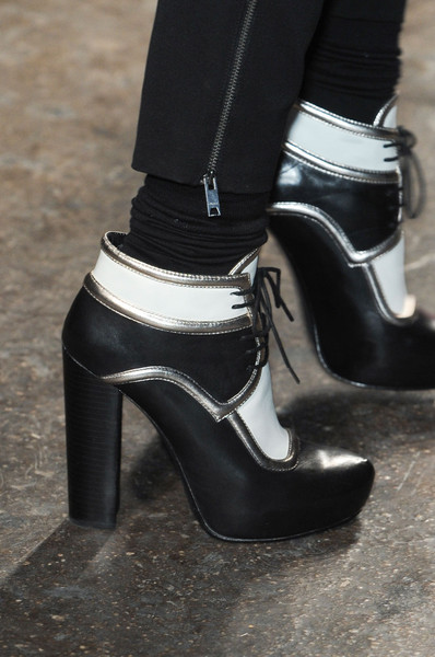 DKNY at New York Fall 2011 (Details)