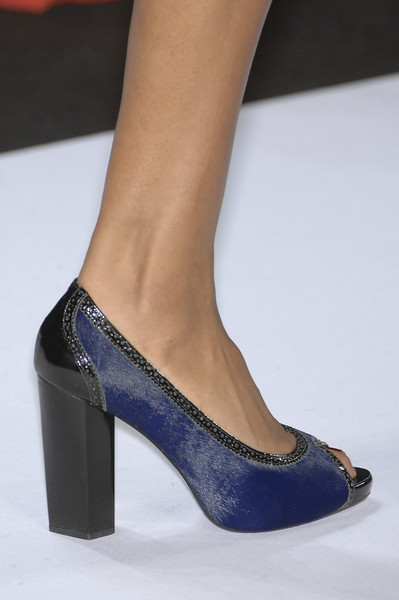 Diane von Furstenberg at New York Fall 2008 (Details)