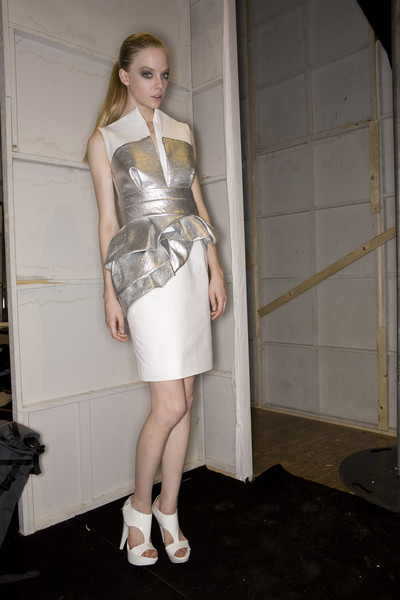 Dice Kayek at Paris Spring 2009 (Backstage)