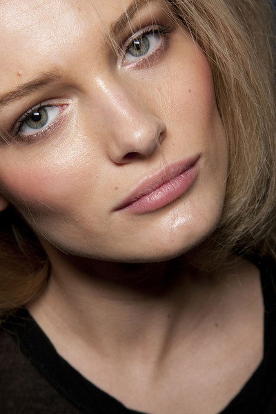 Dolce & Gabbana at Milan Fall 2011 (Backstage)