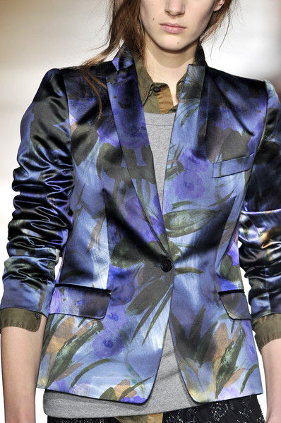 Dries Van Noten at Paris Fall 2010 (Details)