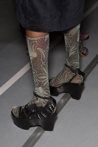 Dries Van Noten at Paris Spring 2016 (Backstage)