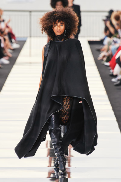 Dundas X Revolve at New York Spring 2022 [joint,hairstyle,shoulder,street fashion,textile,sleeve,waist,latex clothing,style,runway,outerwear,runway,fashion,haute couture,fashion model,joint,textile,dundas x,new york fashion week,fashion show,fashion show,runway,haute couture,fashion,fashion model,outerwear / m]